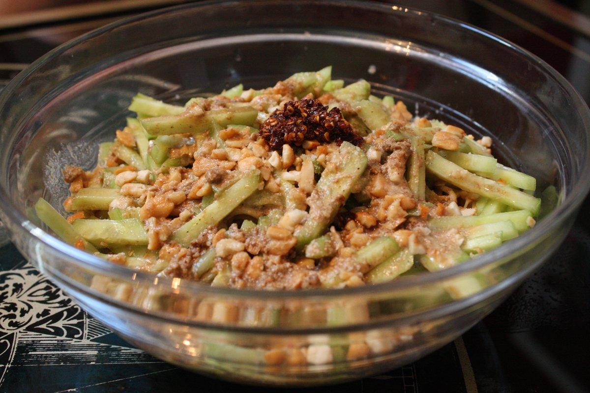 Salade chinoise de nouilles et concombre la cuisine de for La cuisine de monica