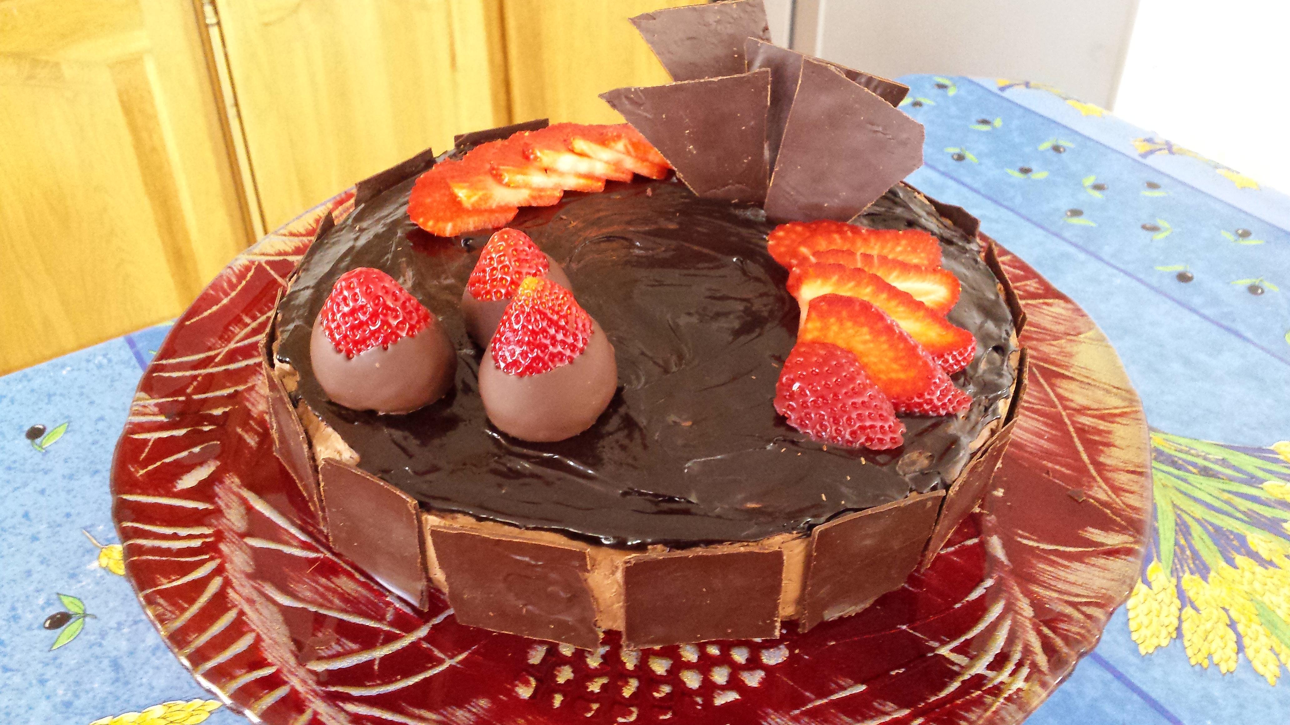 Recette vid o royal chocolat la cuisine de monica - Comment cuisiner un gateau au chocolat ...