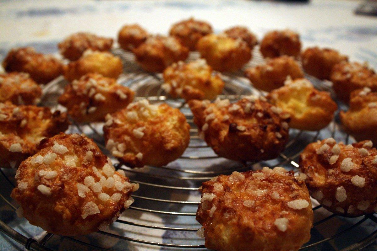 Recette facile des chouquettes par mamie monica la for La cuisine de monica