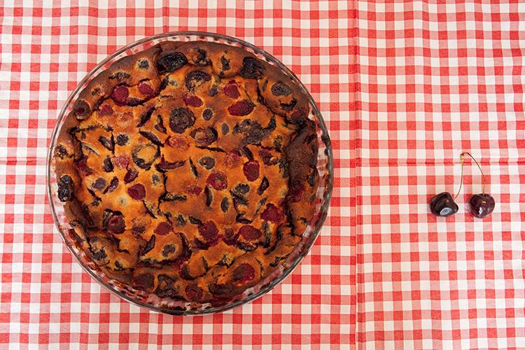 Clafoutis aux cerises et framboises la cuisine de monica for La cuisine de monica